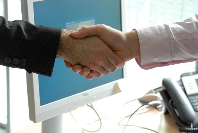 Ventajas de contratar una gestoría online low-cost