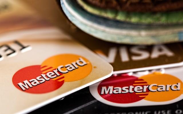 ¿Es importante aceptar tarjetas de crédito en mi negocio?