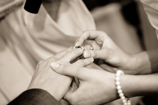 Cómo debes casarte si eres autónomo