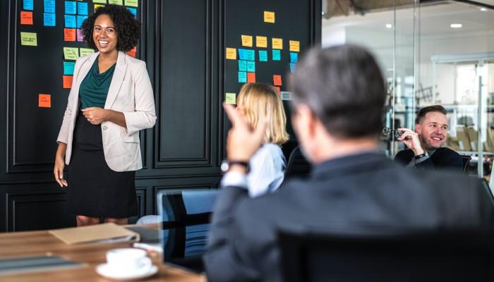 Emprendedores de éxito: una app para perder el miedo de hablar en público
